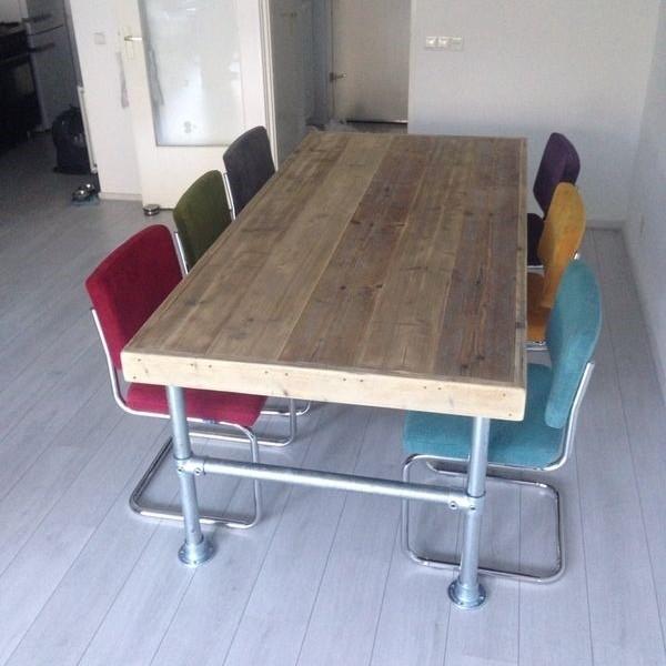 Retro Eettafel Met Stoelen.Van Abbeve Eetkamer Set Met Steigerhouten Tafel En Retro Rib Stoelen