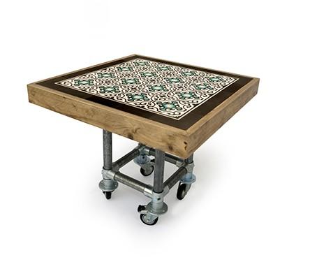 Tuintafel Met Portugese Tegels Maken.Op Maat Gemaakte Steigerhouten Tegeltafel Vierkant