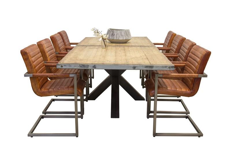 Van abbev steenschotten vergaderset rustieke for Eettafel stoelen cognac