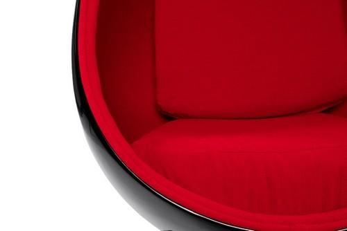 egg fauteuil fabulous fritz hansen the egg fauteuil met voetenbank ontworpen door arne jacobsen. Black Bedroom Furniture Sets. Home Design Ideas