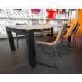 Industriële tafel met Rubberwood tafelblad en balkstalen onderstel inclusief ByBoo Logan leren stoelen in Showroom Zooff.nl