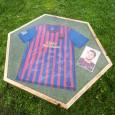 Voorbeeld Messi voetbalshirttafel van van Abbevé met Liquid Gloss® Epoxy coating