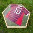 Voorbeeld Seedorf voetbalshirttafel van van Abbevé met Liquid Gloss® Epoxy coating