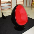 Zooff Designs Almere Egg Fauteuil zwart/rood